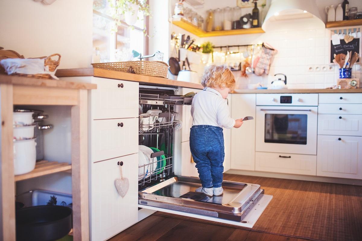 Een kindvriendelijke keuken? Zo doe je dat!
