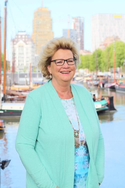 Yvonne Blok